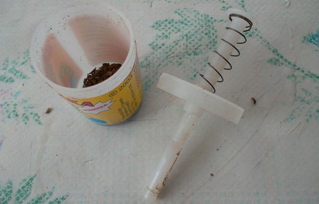 как сделать мини сеялку: